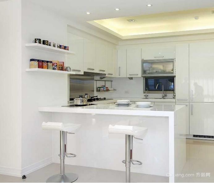 2015有贵族情调的欧式厨房吧台装修效果图