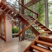 小复式楼实木楼梯装修造型
