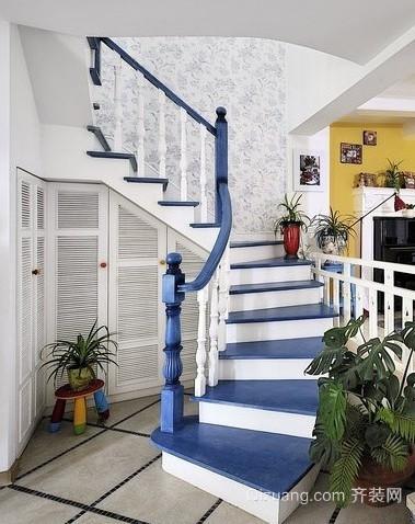 充满艺术性的铁艺旋转楼梯装修效果图