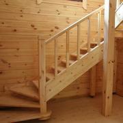 小复式楼实木楼梯装修色调搭配