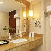 小卫生间装修镜子图