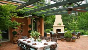 让人放松心情的露台花园装修效果图