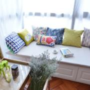 飘窗窗帘设计床铺图