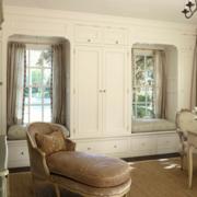 纯白色的飘窗窗帘设计图