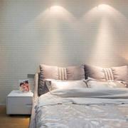 卧室背景墙装修床铺图