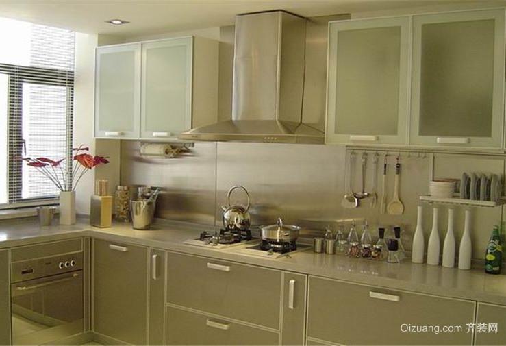 2015令人陶醉的大户型厨房装修效果图
