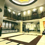 商务酒店大厅吊顶装修色调搭配