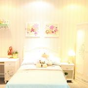 儿童卧室儿童床装修背景墙