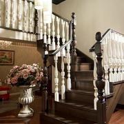 小复式楼实木楼梯装修扶手造型