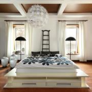 纯白卧室窗帘设计