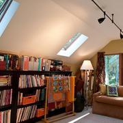 现代阁楼书房效果图