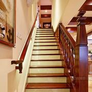 美感的实木楼梯设计