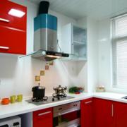红色欧式橱柜装修效果图