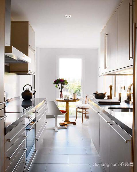 精简小户型厨房橱柜设计效果图