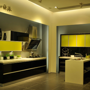 暖色调欧式厨房装修效果图