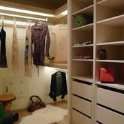 暖色衣柜设计图