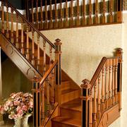 家庭实木楼梯装修效果图