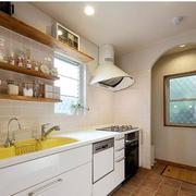 纯色日式风格厨房装修效果图