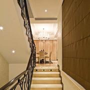 设计豪华的铁艺楼梯