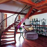精巧的铁艺楼梯造型设计