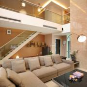 明亮豪华的现代客厅设计