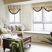 客厅飘窗装修窗帘图