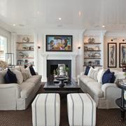 精美白色别墅大厅装修图