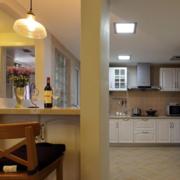 厨房隔断装修吊灯图