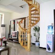 室内楼梯设计实木图
