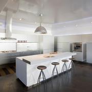 经典白色厨房效果图