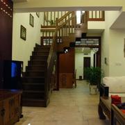 沉稳深色楼梯设计