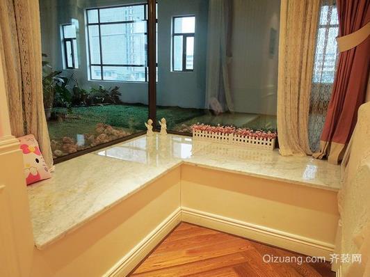 120平米靓丽家庭主卧室转角飘窗装修效果图