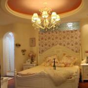 暖色调卧室灯光设计