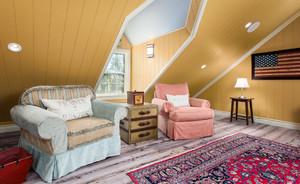 精致的阁楼客厅设计
