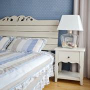温馨卧室床头灯设计