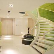 温暖旋转楼梯设计