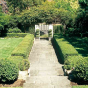 环境优美的别墅庭院