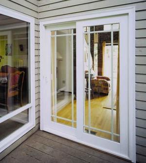 时尚舒适阳台白色推拉门装修效果图
