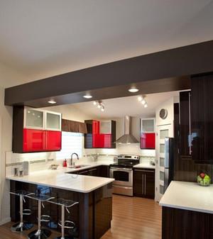 朴素实用家庭吧台装修效果图