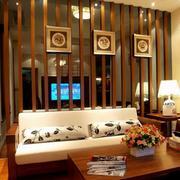 色调温和的客厅