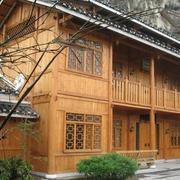 唯美黄色木屋别墅