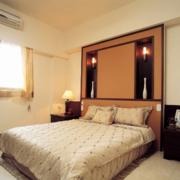 淡黄色卧室设计