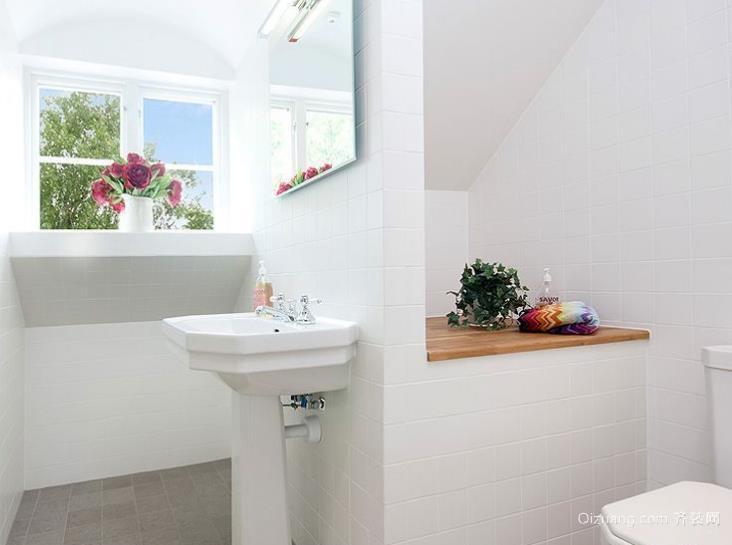 三室两厅两卫北欧式主卧洗手间装修效果图