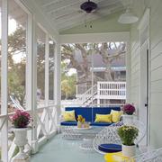 纯情白色阳台设计