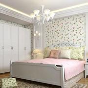小家庭温馨卧室欣赏