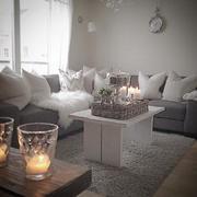 温馨舒适的客厅沙发