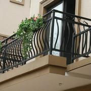 阳台安全防护装置