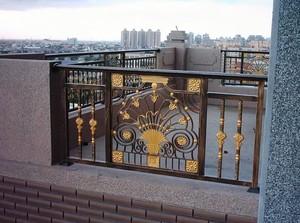 高级单身公寓阳台精美护栏装修效果图