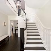 精致的别墅楼梯装修效果图