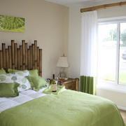 清新绿色卧室飘窗